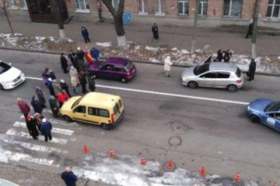 v-kieve-zhiteli-perekryili-ulitsu-zoologicheskuyu-iz-za-otsutstviya-otopleniya.jpg