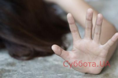 v-kievskoj-oblasti-dvoe-zloumyshlennikov-po-ocheredi-izbivali-i-nasilovali-zhenshhinu.jpg