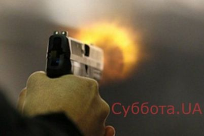 v-kirillovke-specznaz-gotovitsya-k-shturmu-zdaniya-v-kotorom-zabarrikadirovalis-prestupniki-ustroivshie-strelbu-video.jpg
