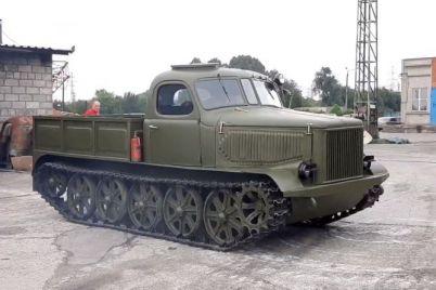 v-muzee-faeton-novyj-eksponat-nad-rekonstrukcziej-artillerijskogo-tyagacha-trudilis-poltora-goda-video.jpg