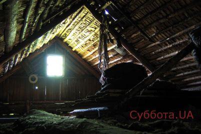 v-nikolaevskoj-oblasti-rebenok-nashel-na-cherdake-doma-trupy-svoih-roditelej.jpg