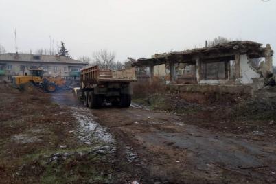 v-orehovskom-rajone-na-territorii-byvshego-zavoda-nachalsya-masshtabnyj-subbotnik-fotofakt.png