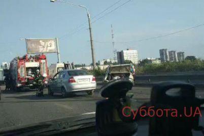 v-policzii-dali-oficzialnyj-kommentarij-po-povodu-sereznogo-dtp-v-czentre-zaporozhya-v-seti-poyavilos-video-s-mesta-proisshestviya.jpg