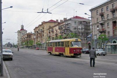 v-seti-opublikovali-retro-foto-rekonstrukczii-czentralnogo-prospekta-zaporozhya-foto.jpg