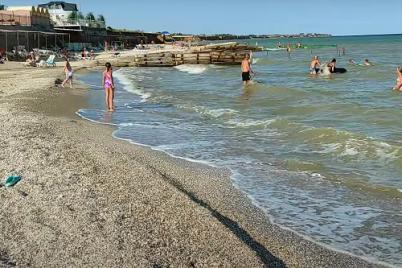 v-seti-pokazali-eshhyo-odin-kurort-na-azovskom-more-bez-meduz-video.png