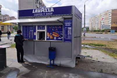 v-spalnom-mikrorajone-zaporozhya-predprinimatel-sam-demontiroval-kofejnyj-kiosk.jpg