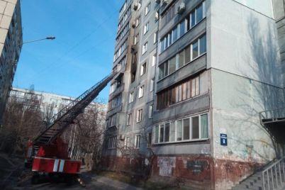 v-spalnom-rajone-zaporozhya-gorela-mnogoetazhka-pogib-pensioner.jpg