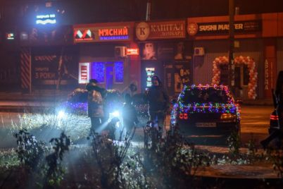 v-spalnom-rajone-zaporozhya-ustroili-novogodnyuyu-avtomobilnuyu-vecherinku-foto-video.jpg