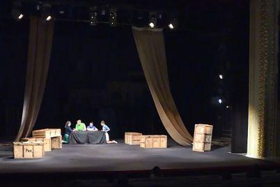 v-teatri-imeni-magara-vidbuvsya-dopremd194rnij-pokaz-vistavi-ilyuzion.jpg