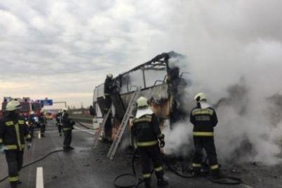 v-vengrii-sgorel-avtobus-s-ukrainczami.jpg