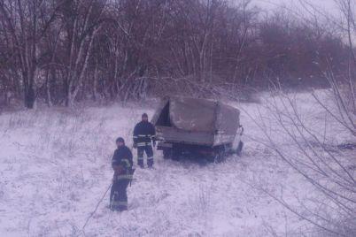 v-volnyanskom-rajone-gruzovik-s-lyudmi-vyletel-s-dorogi-i-perevernulsya-est-postradavshie-foto.jpg