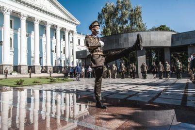 v-zale-pamyati-kolokol-prozvuchal-i-v-chest-geroya-ukrainy-bogdana-zavady-iz-zaporozhya-foto.jpg