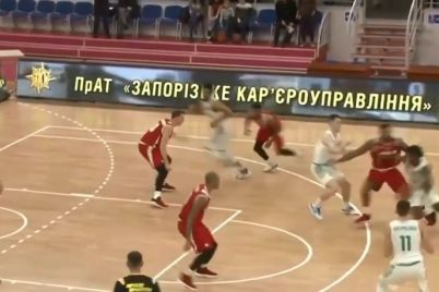 v-zaporizhzhi-vidbuvsya-basketbolnij-pod194dinok-mizh-komandoyu-zaporizhzhya-ta-prometej.jpg