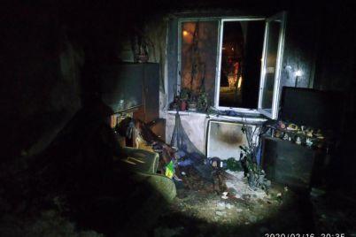 v-zaporizkij-oblasti-pid-chas-pozhezhi-u-budinku-evakuyuvali-lyudej-foto.jpg