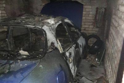 v-zaporizkij-oblasti-vshhent-zgorili-garazh-ta-avto-v-nomu.jpg