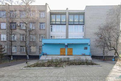 v-zaporizkomu-politehnichnomu-czentri-profesijno-tehnichnod197-osviti-vstanovili-sonyachni-batared197.jpg