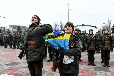 v-zaporozhe-135-parnej-i-devushek-prinyali-prisyagu-na-vernost-ukraine-fotoreportazh.jpg