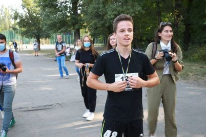 v-zaporozhe-bolee-sotni-chelovek-prinyali-uchastie-v-patrioticheskom-zabege-foto.jpg