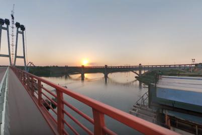 v-zaporozhe-dostroili-mosty-foto-video.png