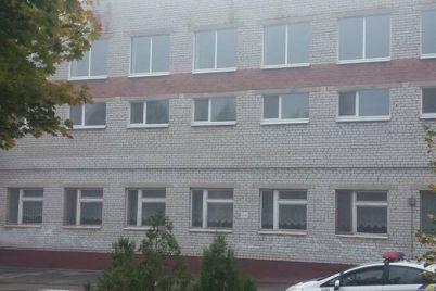 v-zaporozhe-evakuirovali-uchenikov-i-pedagogov-shkoly-iz-za-soobshheniya-o-minirovanii.jpg