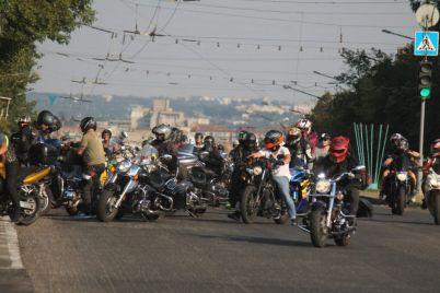 v-zaporozhe-finishiroval-motoprobeg-edinstva-bajkery-proehali-bolee-5-tysyach-kilometrov-fotoreportazh.jpg