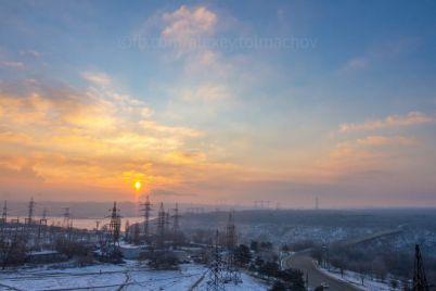 v-zaporozhe-fotograf-pokazal-neobychnoe-yavlenie-na-rassvete.jpg