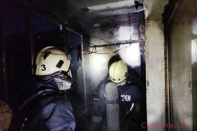 v-zaporozhe-gorela-kvartira-v-mnogoetazhke-ogon-perekinulsya-na-verhnie-etazhi-video-foto.jpg