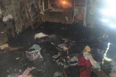 v-zaporozhe-gorela-mnogoetazhka-spasateli-evakuirovali-zhitelej.jpg