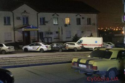 v-zaporozhe-gruppa-zloumyshlennikov-vyzvala-medikov-chtoby-izbit-ih-foto.jpg