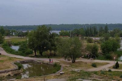 v-zaporozhe-hotyat-peredat-ves-uchastok-landshaftnogo-parka-kp-titan.jpg