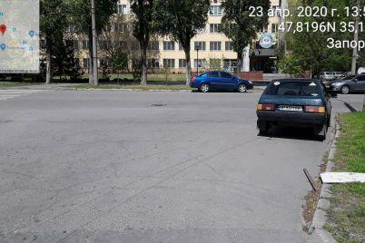 v-zaporozhe-inspektory-po-parkovke-uzhe-v-chetvertyj-raz-oshtrafovali-vladelcza-avto.jpg