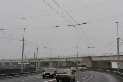 v-zaporozhe-ispolkom-sobiraetsya-razreshit-avtogennomu-zavodu-besprepyatstvennom-proezzhat-svoim-transportom-cherez-plotinu-dneproges.jpg