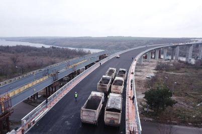 v-zaporozhe-ispytali-na-prochnost-novyj-balochnyj-most-ozvucheny-rezultaty-video.jpg