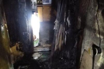 v-zaporozhe-iz-goryashhego-doma-evakuirovali-zhilczov-czelogo-etazha.jpg