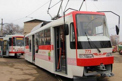v-zaporozhe-iz-za-remonta-perekryli-dvizhenie-tramvaev.jpg