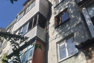 v-zaporozhe-iz-zadymlennoj-kvartiry-sosedi-spasli-5-letnego-rebenka-foto.jpg