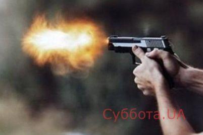 v-zaporozhe-molodogo-parnya-zastrelili-ego-druzya-mama-pogibshego-pytaetsya-dobiratsya-spravedlivogo-nakazaniya-dlya-ubijcz-video.jpg