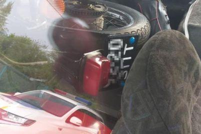 v-zaporozhe-muzhchina-ugnal-motoczikl-i-uvez-ego-v-avtomobile.jpg