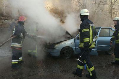 v-zaporozhe-na-kichkase-proizoshlo-chp-s-avtomobilem-foto.jpg