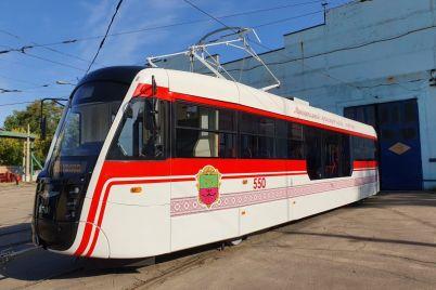 v-zaporozhe-na-marshrut-vyshel-novyj-evropejskij-tramvaj.jpg