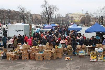 v-zaporozhe-na-subbotnej-yarmarke-u-czirka-vypisali-5-adminprotokolov-dlya-torgovczev.jpg