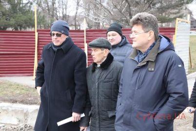 v-zaporozhe-nachalas-vtoraya-i-tretya-ocheredi-rekonstrukczii-pravoberezhnogo-plyazha-foto.jpg