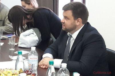 v-zaporozhe-neskolko-desyatkov-tysyach-narkotorgovczev-v-prokurature-proshla-press-konferencziya-s-romanom-mazurikom-foto.jpg