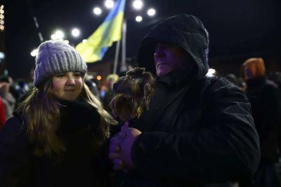v-zaporozhe-neskolko-soten-lyudej-vyshli-na-marsh-dostoinstva-i-svobody-fotoreportazh.jpg