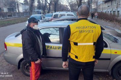 v-zaporozhe-nezakonnyj-migrant-pytalsya-obzhalovat-svoyu-deportacziyu-v-sude-foto.jpg