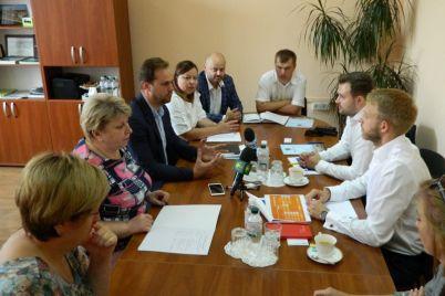 v-zaporozhe-obsudili-sotrudnichestvo-s-mezhdunarodnoj-finansovoj-korporacziej.jpg