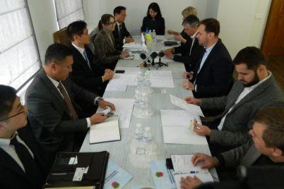 v-zaporozhe-obsudili-sotrudnichestvo-s-yuzhnoj-koreej.jpg