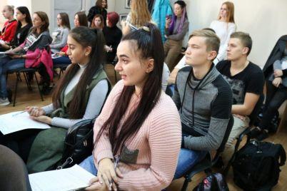 v-zaporozhe-otkrylas-shkola-volonterov.jpg