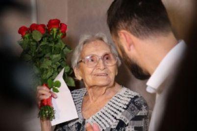 v-zaporozhe-otmetila-100-letnij-yubilej-veteran-vtoroj-mirovoj-spasavshaya-voinov-v-blokadnom-leningrade.jpg