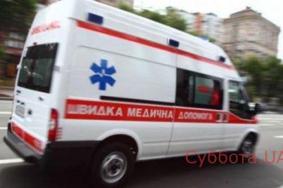 v-zaporozhe-passazhiry-marshrutki-delali-devushke-iskusstvennoe-dyhanie.jpg